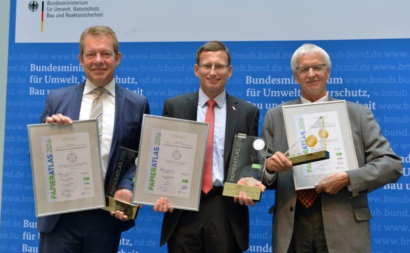 v.l.n.r.: Steffen Mues (Bürgermeister der Stadt Siegen), Dr. Andreas Rothfuß (Kanzler der Universität Tübingen), Günter Karen-Jungen (Bürgermeister der Stadt Düsseldorf); Foto: Tina Merkau