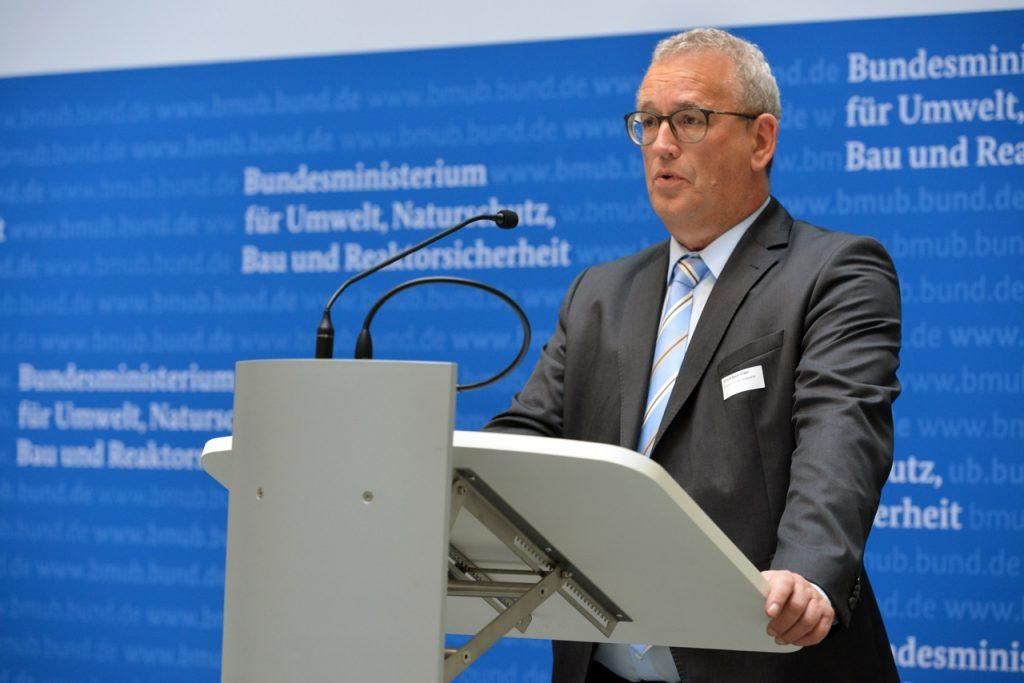 Ulrich Feuersinger (Sprecher der Initiative Pro Recyclingpapier), Foto: Tina Merkau